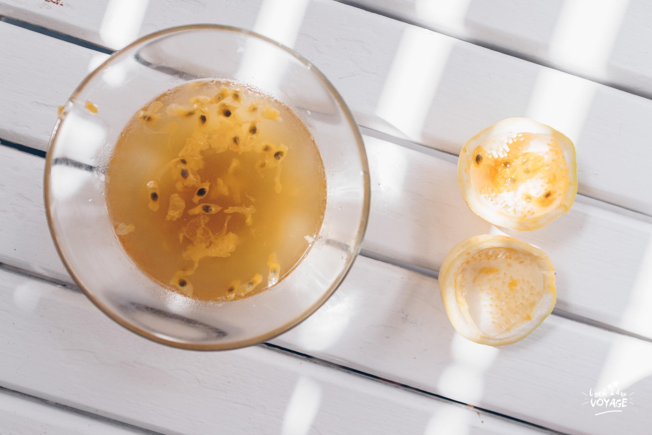jus de fruits frais maison de maracuja du jardin, par L'oeil du Voyage, vlog martinique