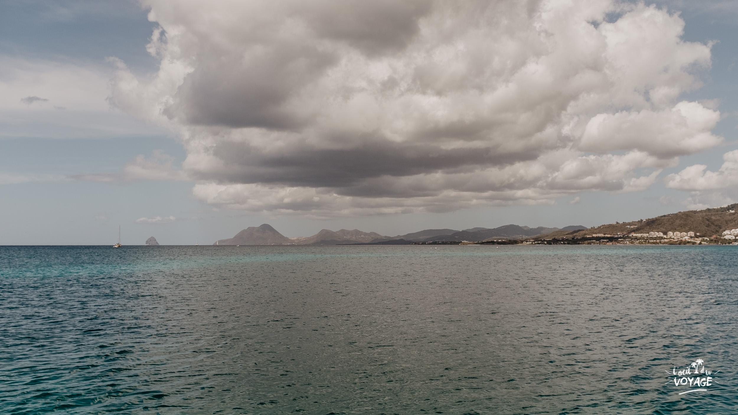 vue depuis la réserve de la pointe borgnèse en martinique, a famous french travel blog